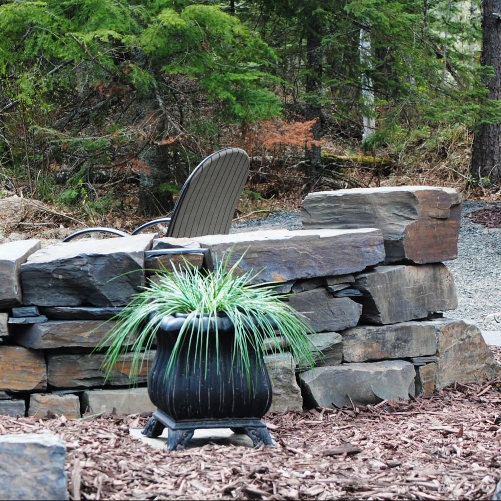 Round patio stone wall cropped